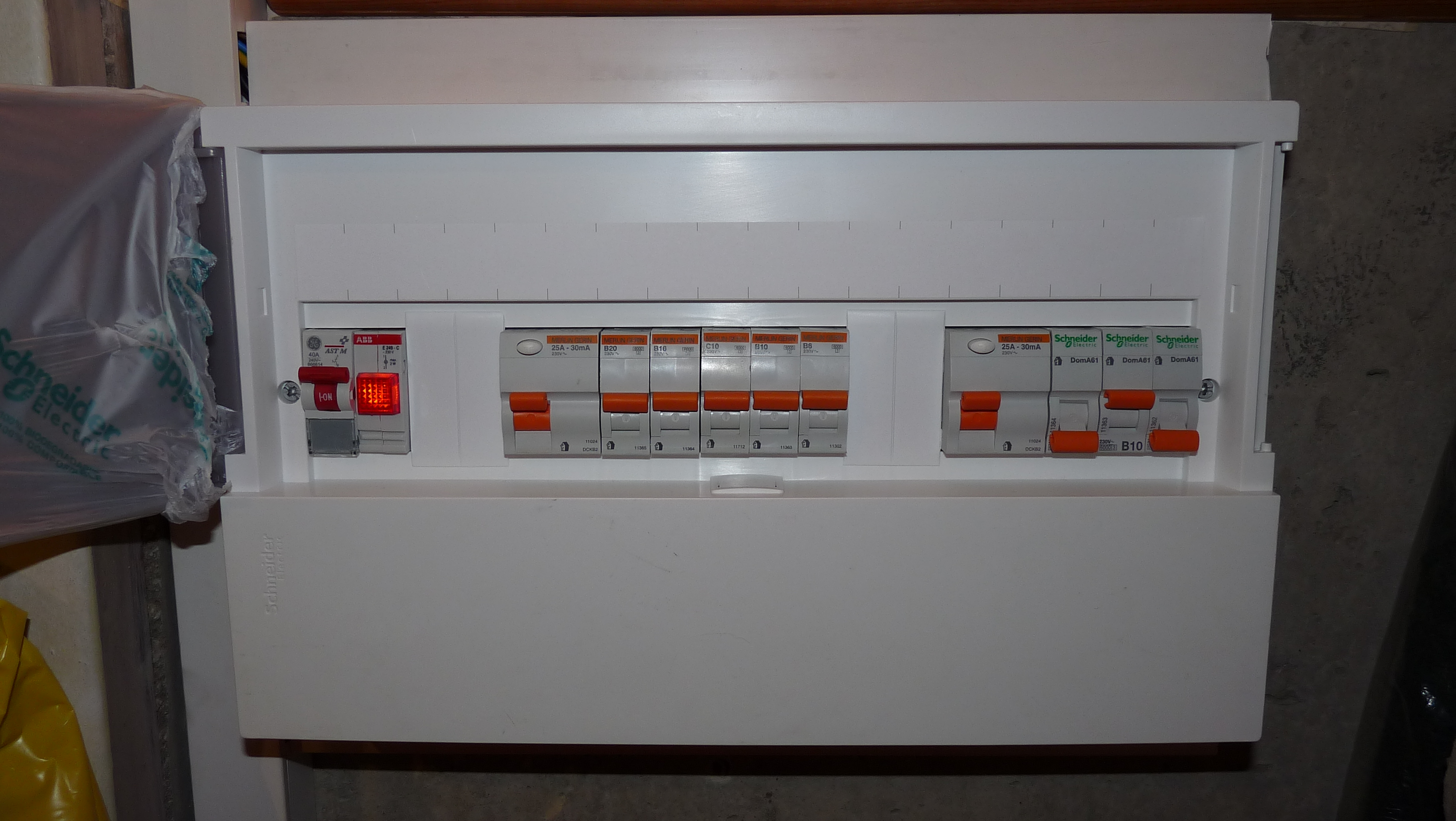 Fuse Box Switch Is Red : Keep apartment fuse boxes from being blown in your mdu